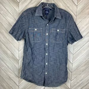 Short sleeve button down chambray shirt